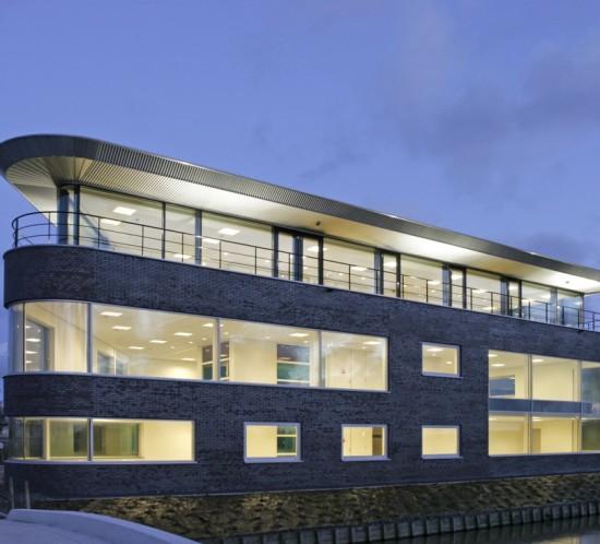 Moen & van Oosten - Van der Hout Vastgoed – kantoor Honderl