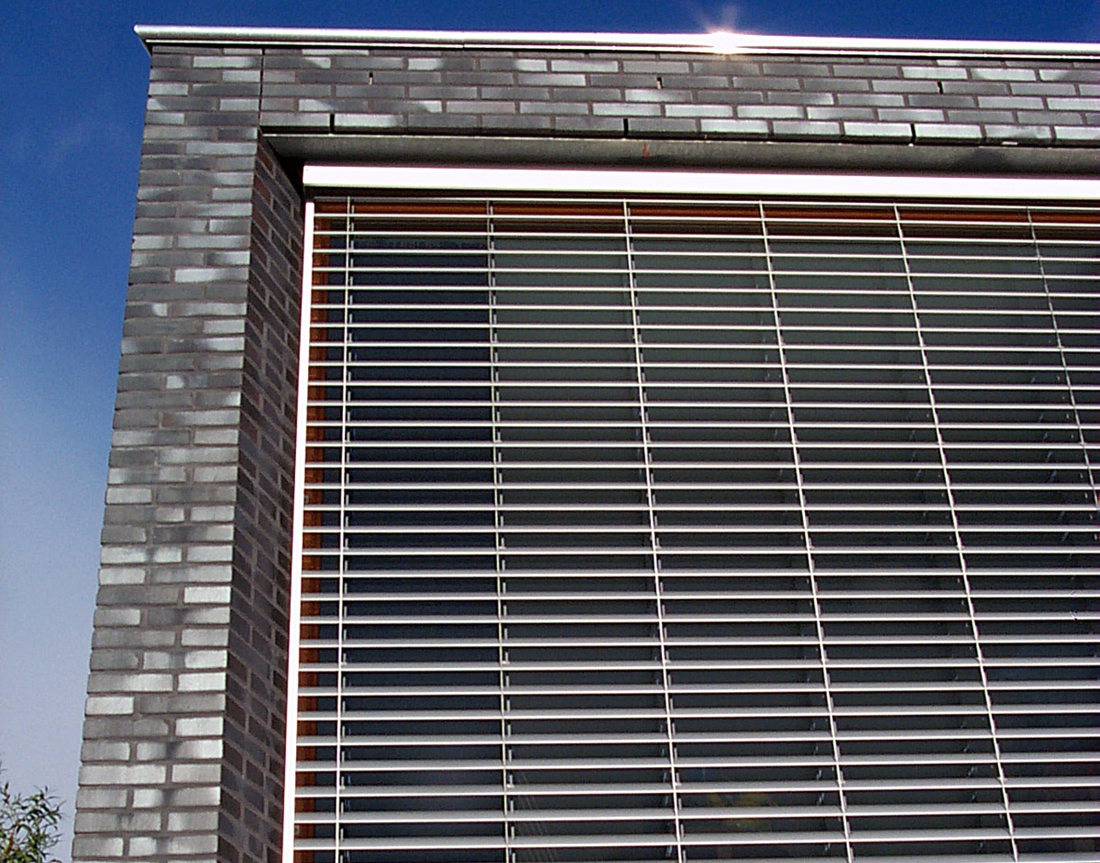 Moen van oosten architecten villa kikkerlandnieuwbouw for Woonhuis rotterdam